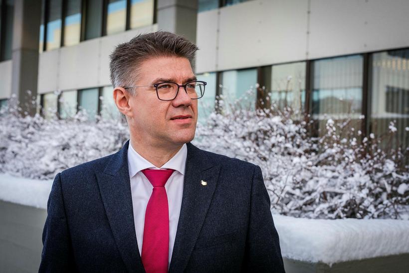 Gunnar Bragi Sveinsson tók undir áhyggjur Páls af landsbyggðinni.