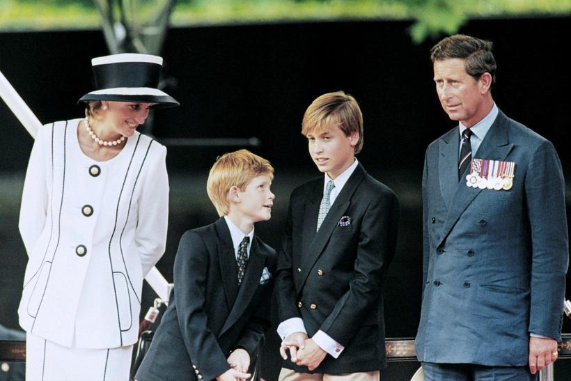 Díana og Karl ásamt prinsunum Vilhjálmi og Harry árið 1995.