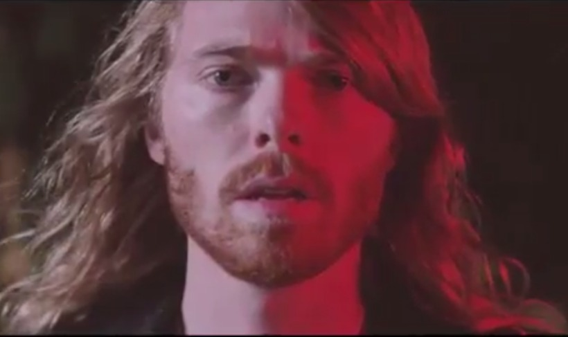 Eðvarð Egilsson in the video for White Mustang
