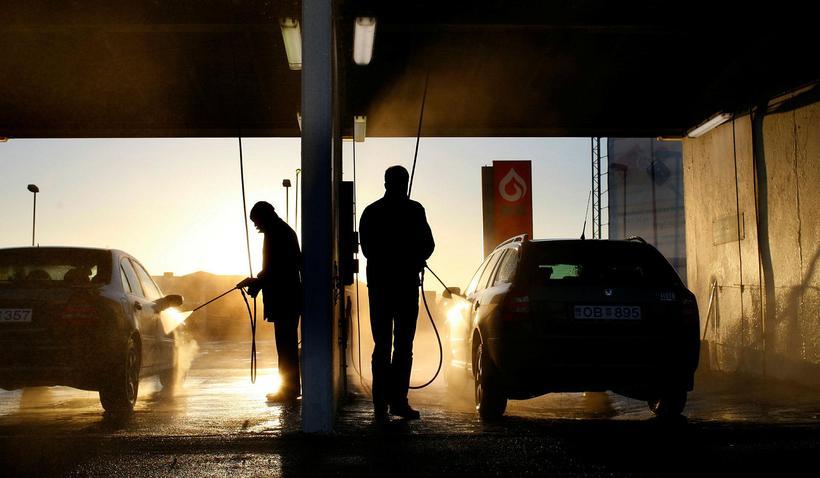 Skattar á bensín og dísil hækkar.