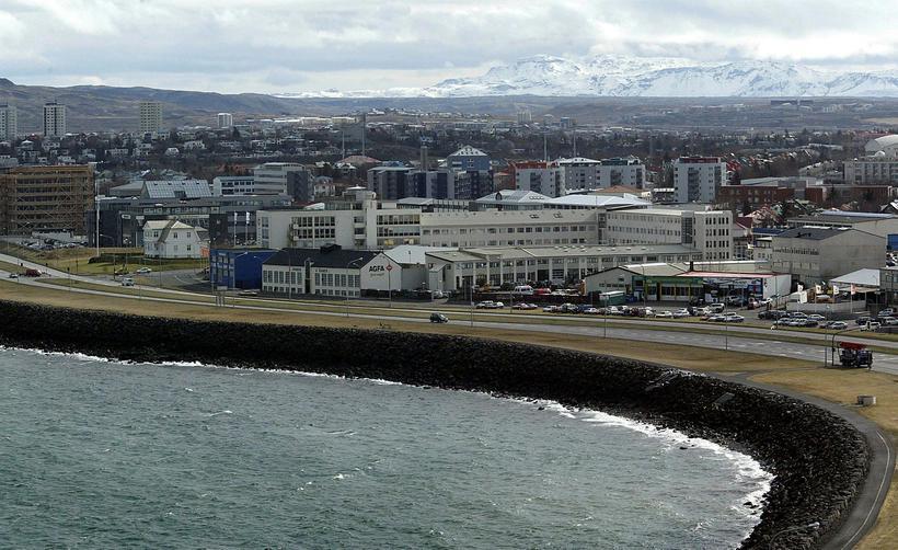 Hámarkshraði um Sæbraut myndi lækka í 50 km/klst.