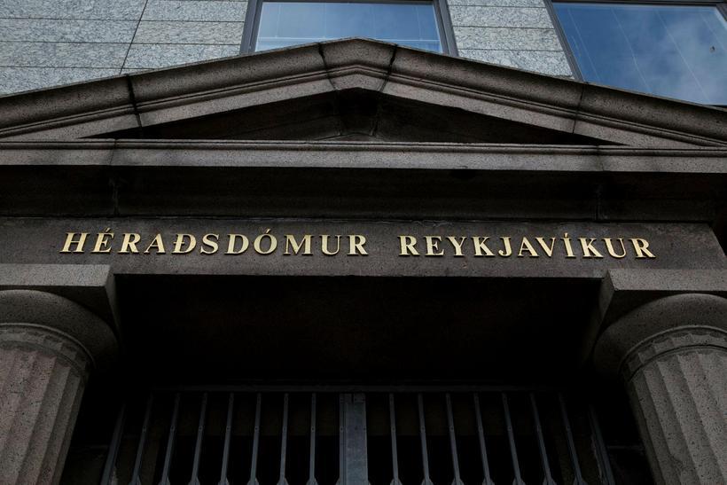 Héraðsdómur Reykjavíkur tók kröfu Atla um að öðlast málflutningsréttindi á ...