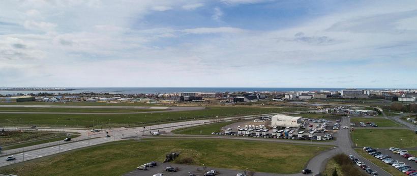 U-reiturinn þar sem stefnt er á að samgöngumiðstöð rísi til ...