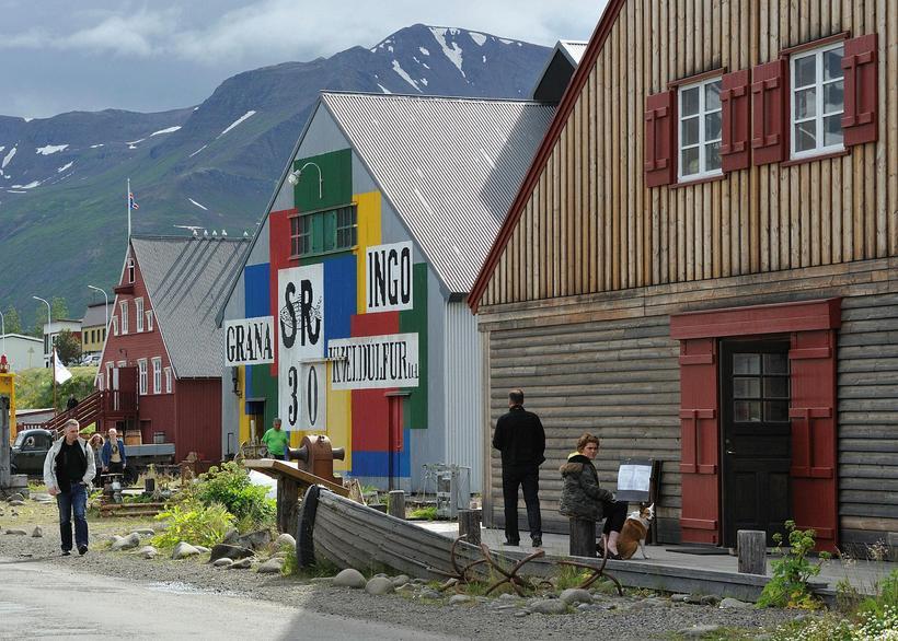 Síldarminjasafnið á Siglufirði á góðum sumardegi.