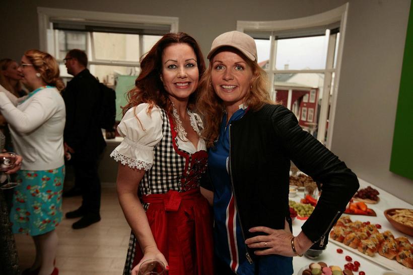 Agnes Hlíf Andrésdóttir og Hrefna Hallgrímsdóttir.