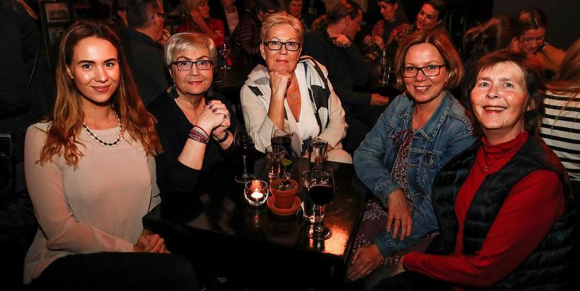 Snæfríður Jónsdóttir, Hanna Jónsdóttir, Svanhvít Þórarinsdóttir, Sjöfn Kjartansdóttir og Steinunn ...