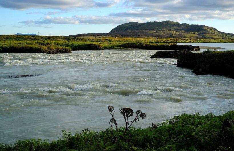 Flúðir og grónir hólmar færu á kaf undir inntakslón Hvammsvirkjunar.